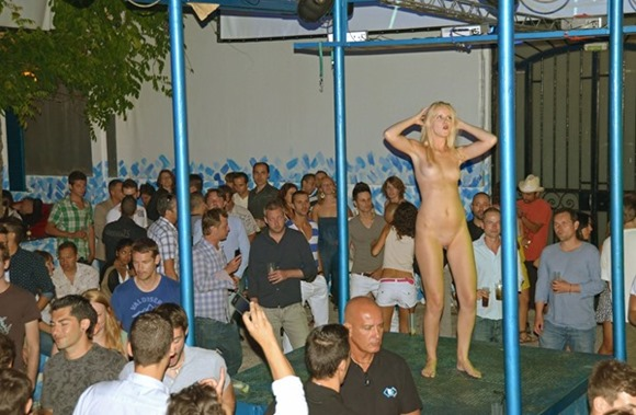 naughty-blonde-naked-in-the-club